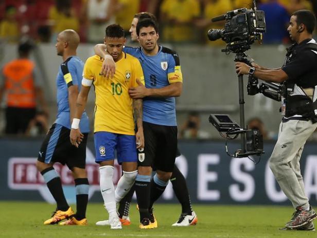2-2-uruguay-logra-frente-a-brasil-un-empate-que-sabe-a-victoria