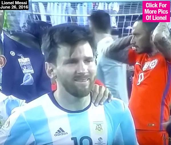 Messi llora.jpg